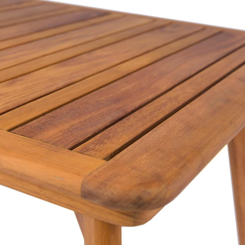 savanna-din-table-close-up